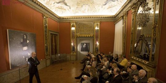 Sala-degli-Specchi-incontro-con-Omar-Galliani